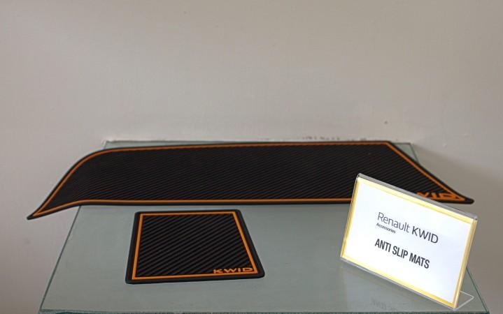 Anti-skid pads