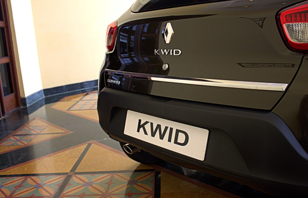 Kwid - Chrome on the Rear End.CR2
