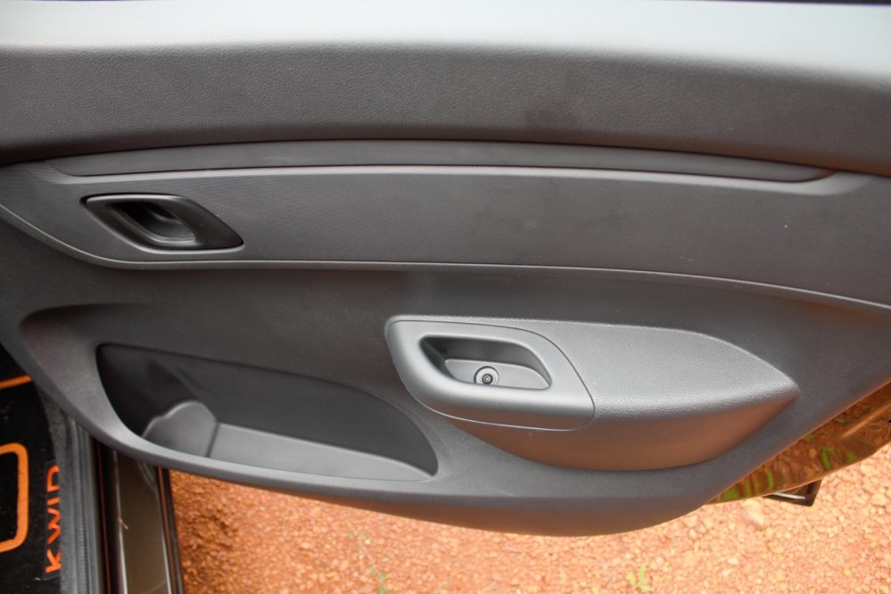 Kwid - Front Door Pad - Arm Rest, Bottle Holder - Top View