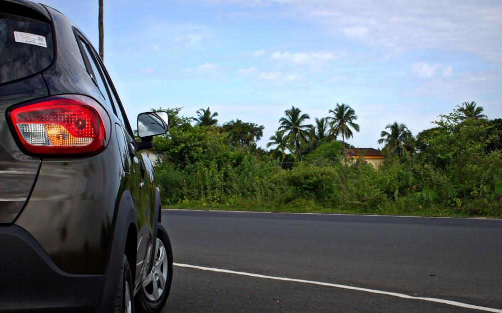Kwid - Green, Rear Tail Lamp, Wheels.CR2