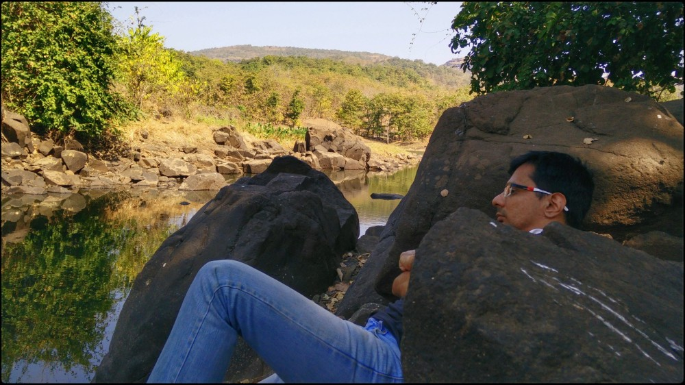 When you're caught between a rock _ a hard place, you gotta steal every oppotunity and cherish each moment spent in the quest for inner peace - Vishal Kataria aka @Vishipedia (1)