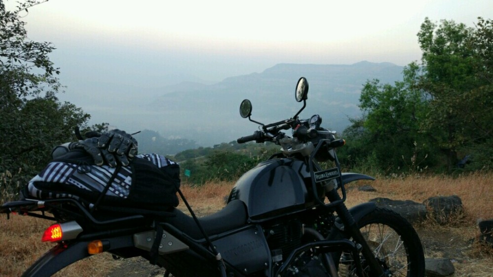 Shooting the breeze at Lonavla