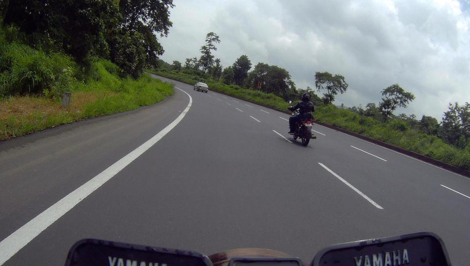 Two sleepy heads chasing apexes on the NH8
