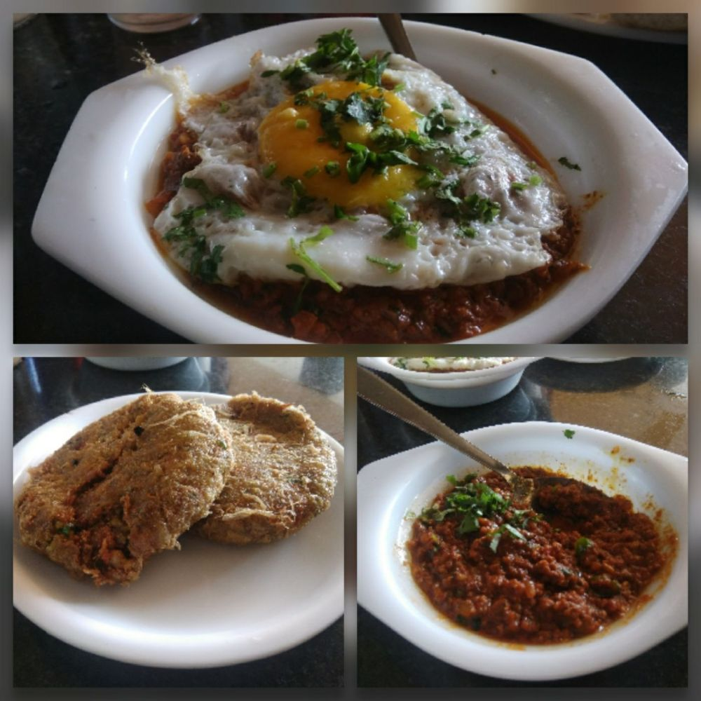 Haurya Bikers' feast at Ahura Hotel, NH8: kheema pao (with+without Fried Egg) & chicken cutlets. Image: @sleazypundit